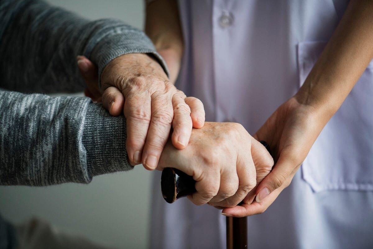 פתרונות הנגשה לחולים סיעודיים בבית ובמקומות ציבוריים